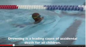 3 year old Swims 100 (3歳で100m一人で泳ぎます) !!!!!!!